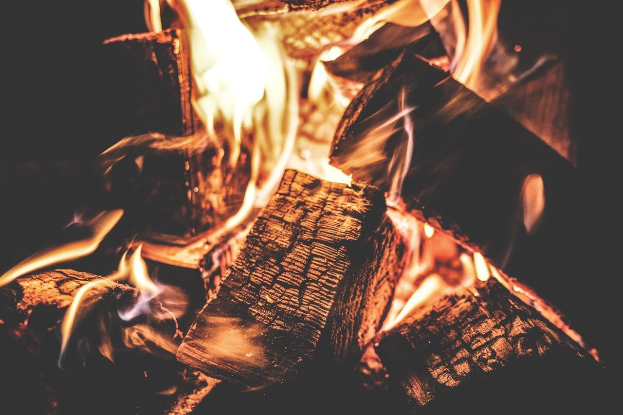 gaspejs med ild i
